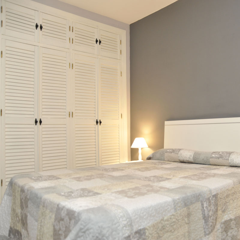 home_granada_apartamento_cama_doble